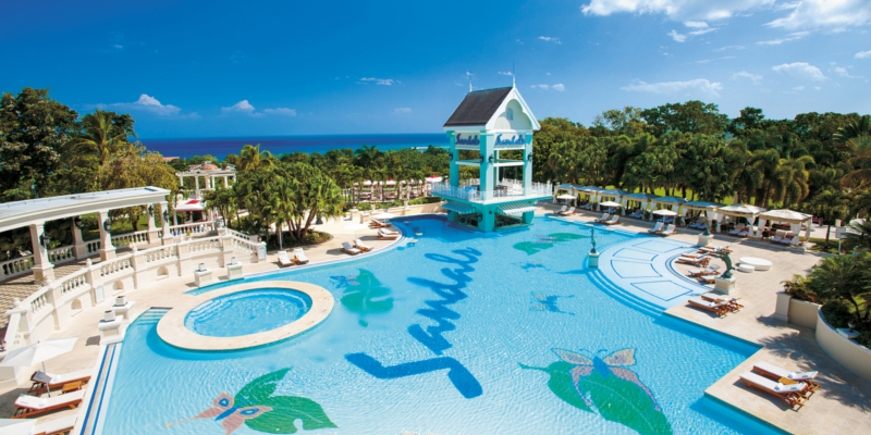 Travel blog: Sandals Ochi Beach Resort: The Height of Luxury Caribbean All-Inclusive Escapes
